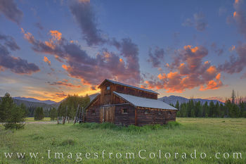 little buckaroo barn, betty dick, fred dick, rocky mountain national park, never summer mountains, Kawuneeche Valley, RMNP, sunset, summer, evening, barn, homestead