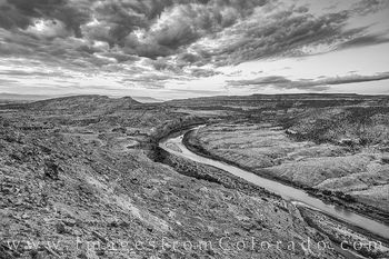 colorado river, mesa county, mcinnis canyon, horsethief canyon, mack point, kokopelli trail, sunrise, morning, black and white