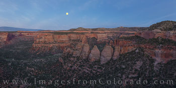 coke ovens, colorado national monument, panorama, moonrise, evening, canyon, monument canyon, red rocks, rim rock road
