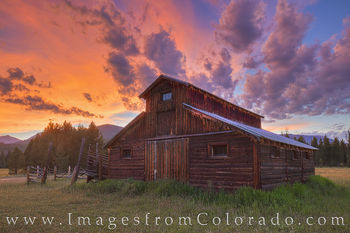 rocky mountain national park, grand lake, trail ridge road, old barn, little buckaroo barn never summer mountains, never summer, summer, sunset, evening, barn, betty dick
