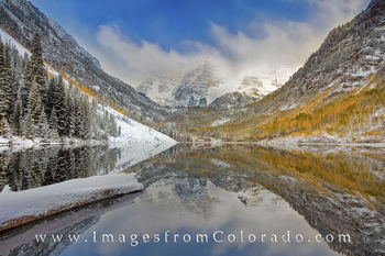 Snow in Autumn at the Maroon Bells 1