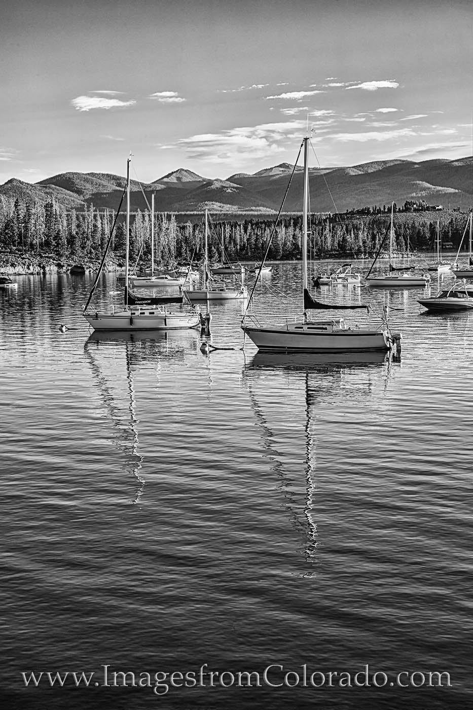 lake granby, grand county, boats, sailboats, sunshine, morning, black and white, prints for sale, best colorado, photo