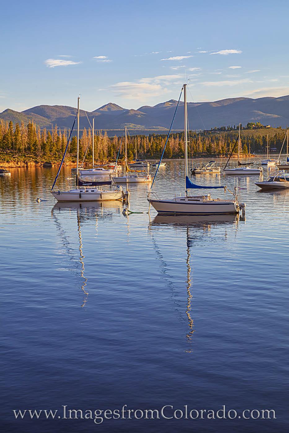 lake granby, boats, morning, sailboats, rocky mountain national park, calm, grand county, photo