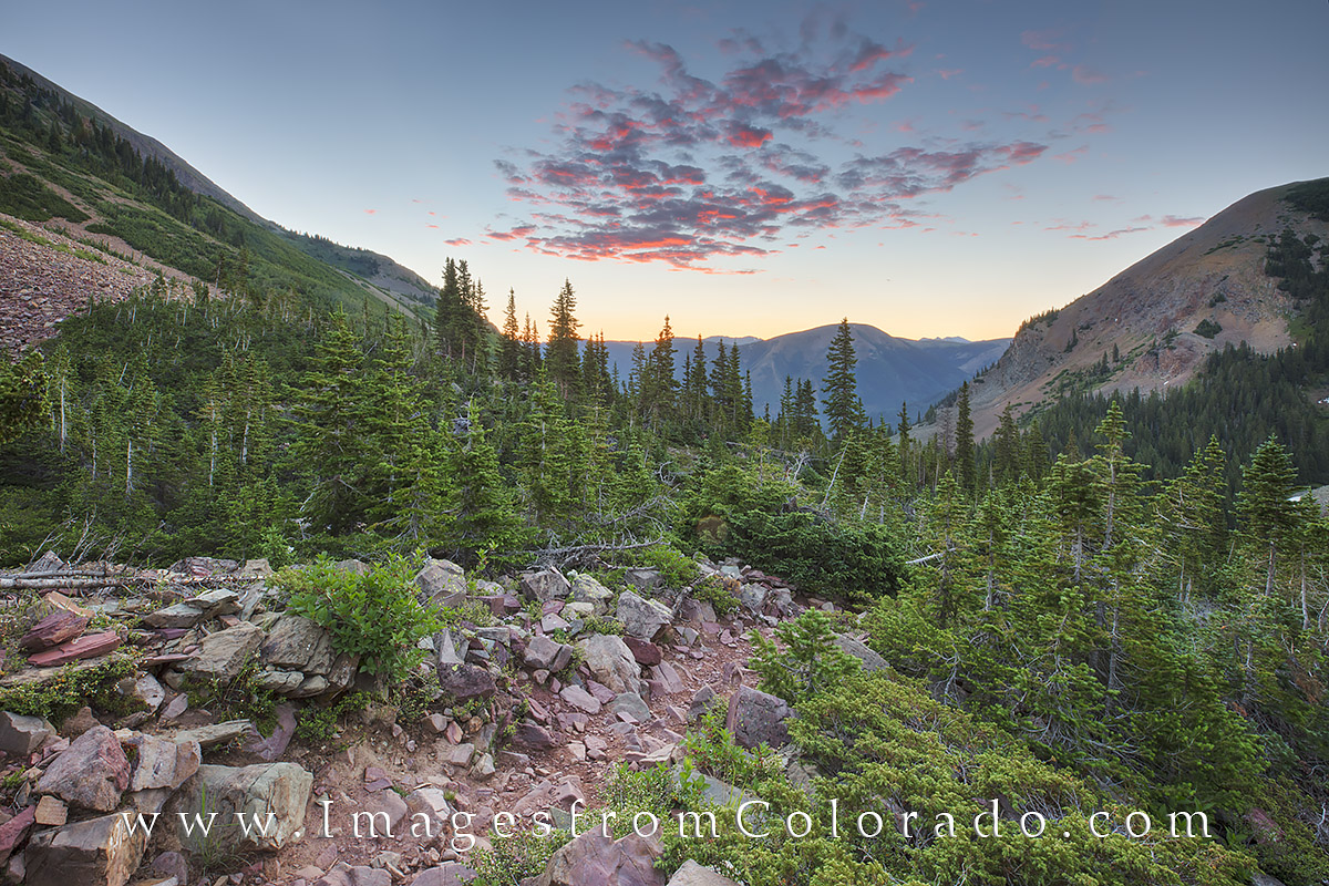 cathedral lake trail, cathedral lake, electric pass, electric pass trail, maroon bells, maroon bells wilderness, hiking, hiking colorado, colorado trails, elk mountains, sunrise, colorado sunrise, photo