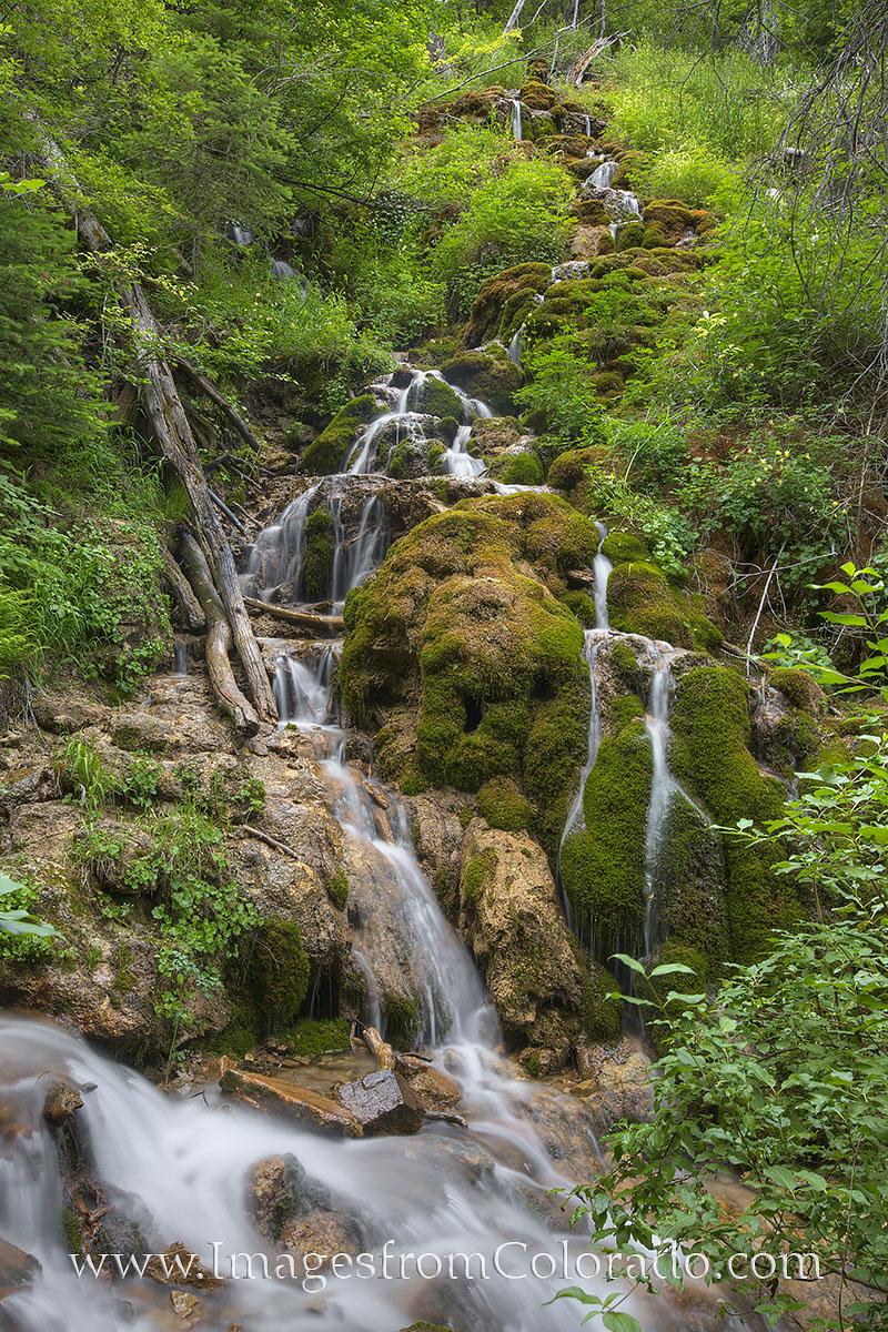 Hanging lake, hanging lake falls, deadhorse falls, glenwood springs, Colorado hikes, Colorado trails, hanging lake images, glenwood springs daytrips, Colorado waterfalls, photo