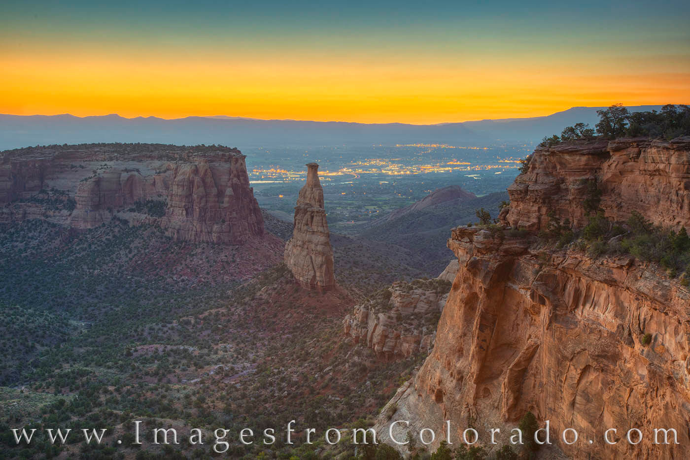 independence monument, grand junction, colorado national monument, icon, colorado icon, rock formations, sunrise, colorado national park, photo