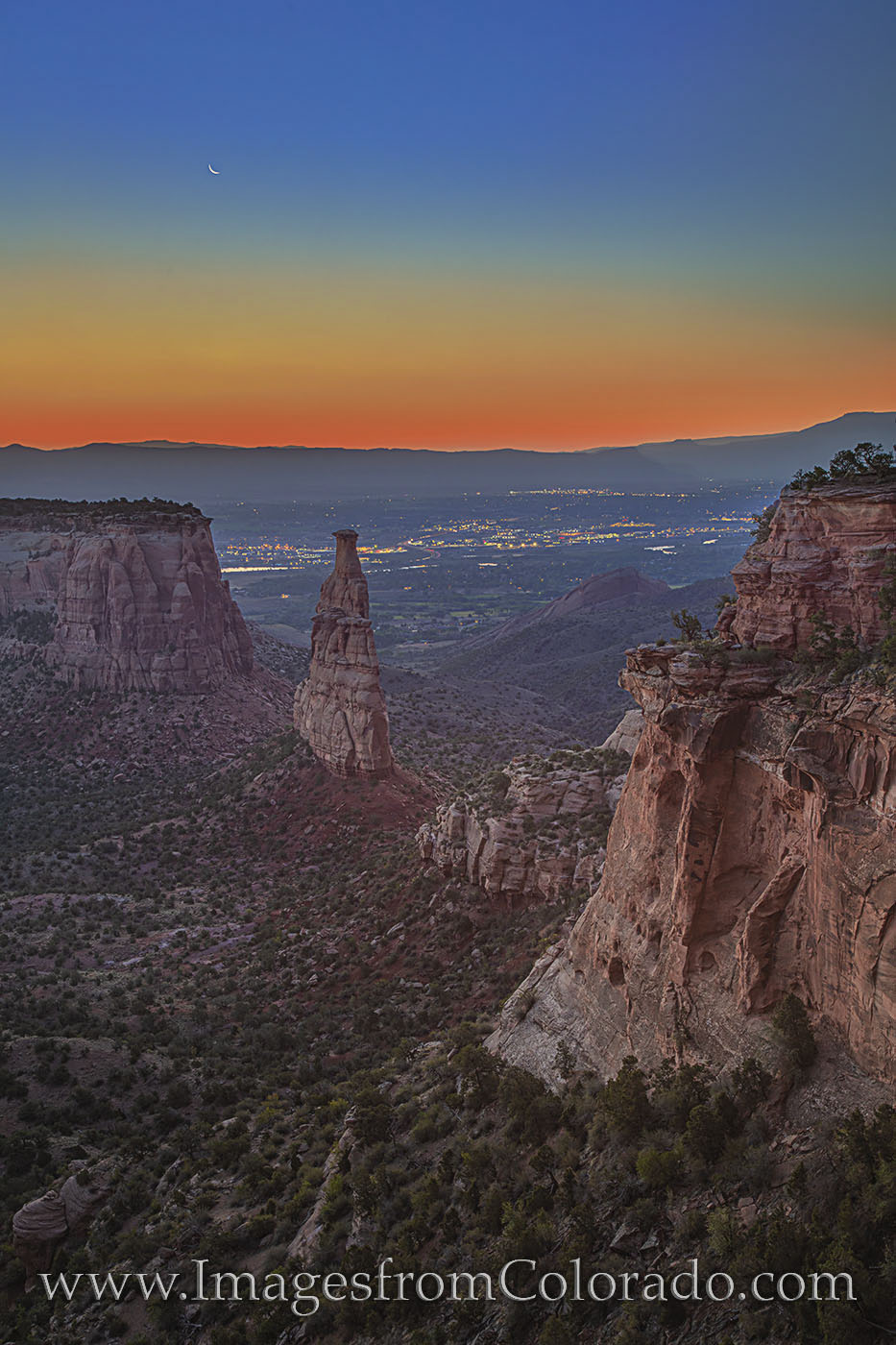 independence monument, grand junction, crescent moon, colorado national monument, colorado monument, canyon, monument canyon, rim rock road, fruita, colorado parks, sunrise, photo