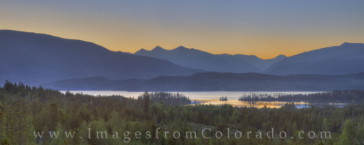 lake dillon, lake dillon images, frisco, moonrise, colorado sunrise, colorado mountains, breckenridge, colorado lakes, colorado pano, photo