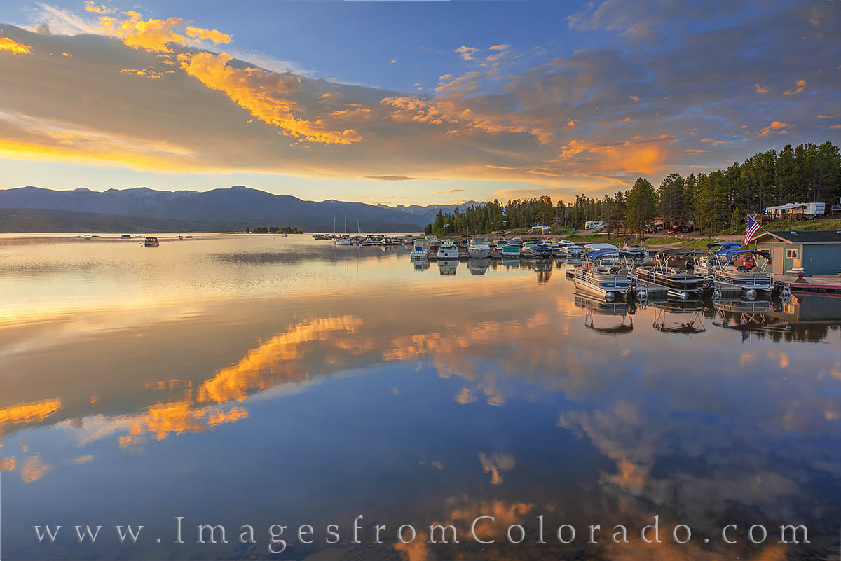 sunrise, lake granby, highway 34, rocky mountains, boats, reflection, photo