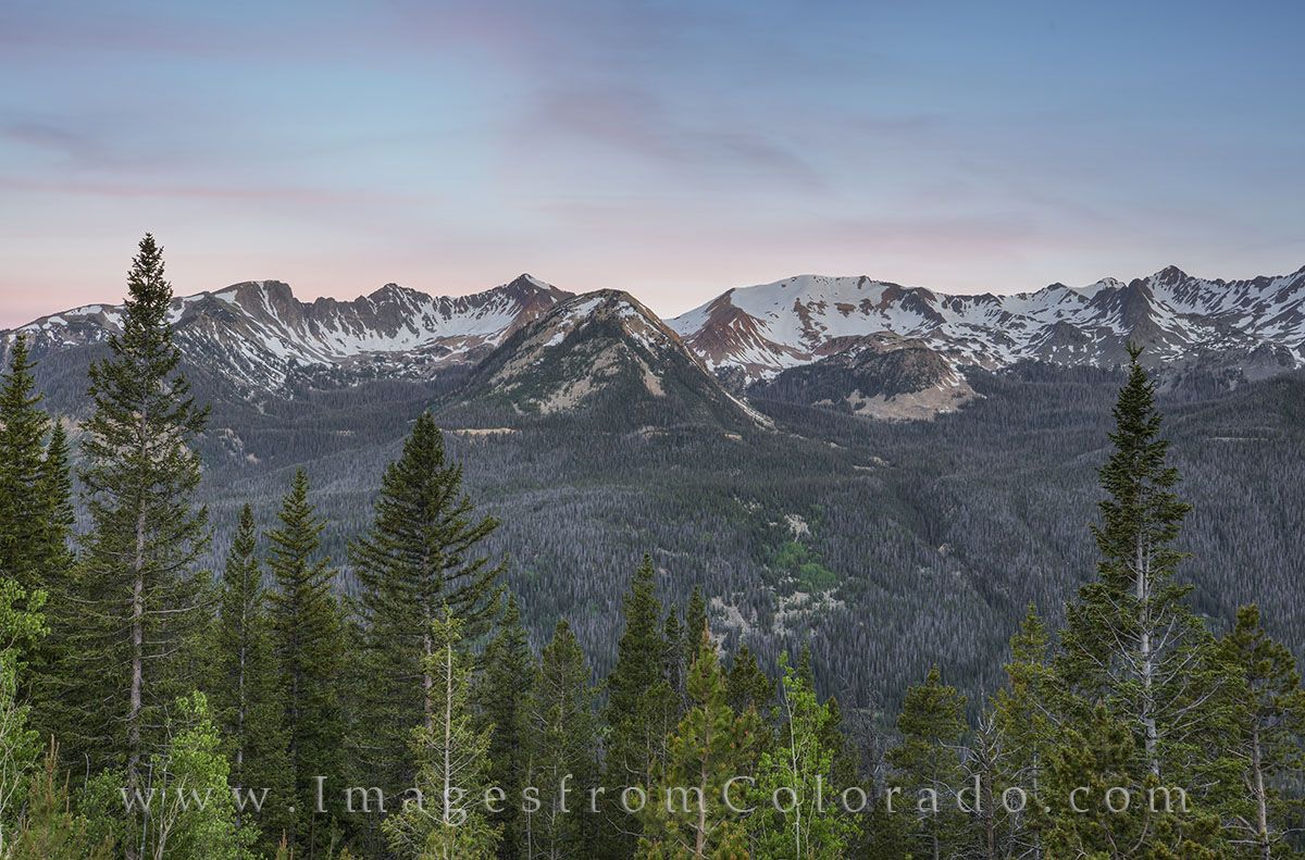 RMNP, Rocky Mountain National Park, RMNP images, Never Summer Mountains, red mountain, mount numbus, mount stratus, mount cumulus, howard mountain, trail ridge road, trail ridge road images, colorado , photo