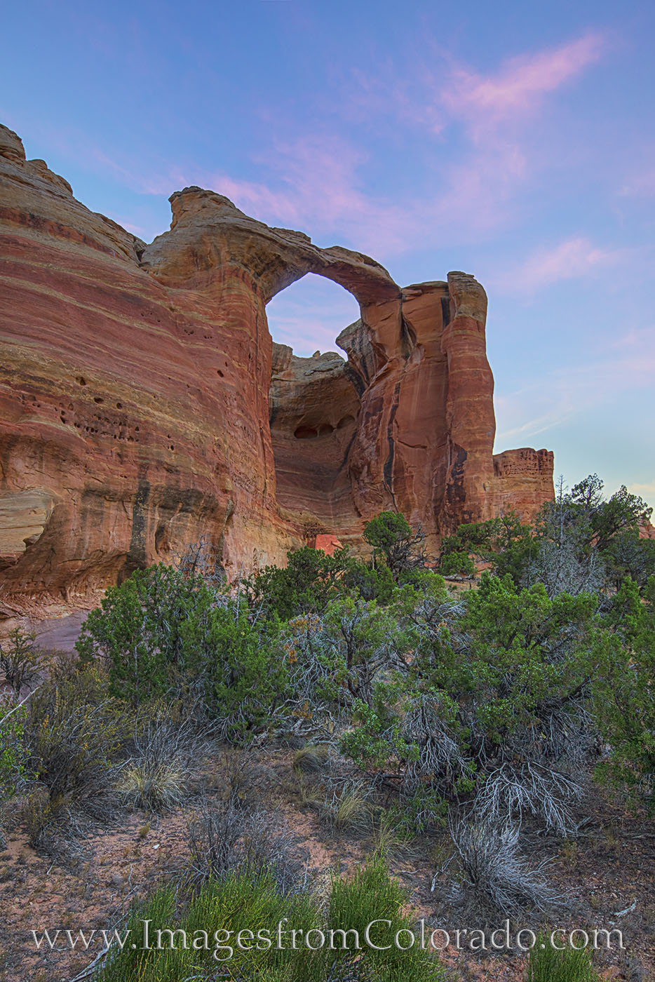 rattlesnake arch, arches, centennial arch, arches loop, colorado national monument, grand junction, mcinnis canyons, western colorado, colorado plateau, morning, sunrise, hiking, exploring, photo